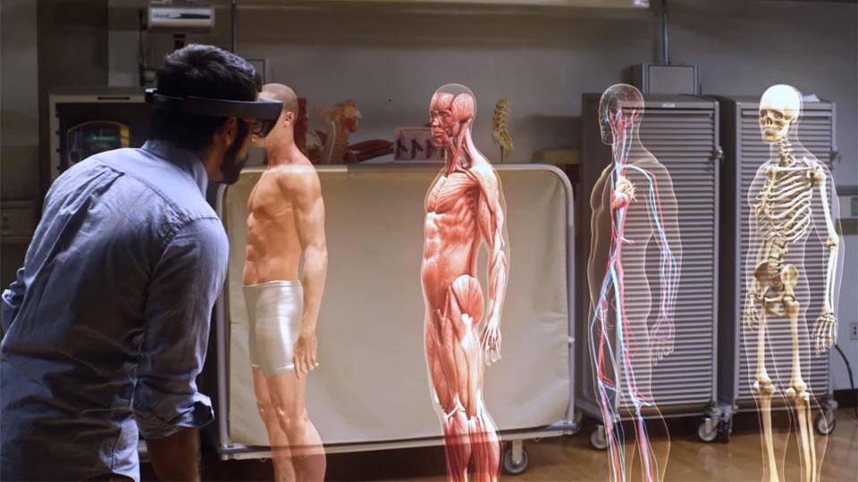 واقعیت افزوده و نمایش سه بعدی بدن انسان