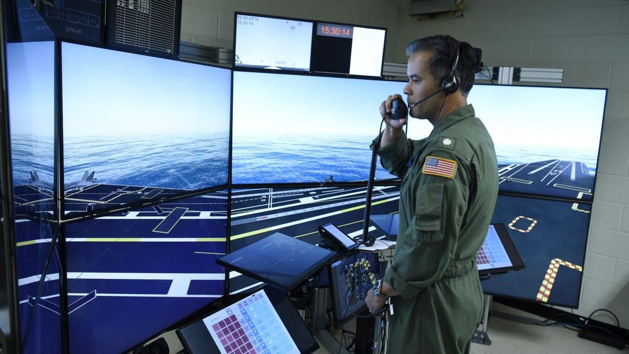 کنترل سربازان توسط فرمانده